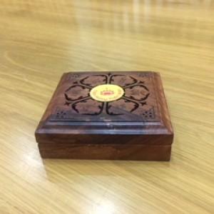 Hộp Lộng Vuông để xông nhang khoanh (gỗ hương)